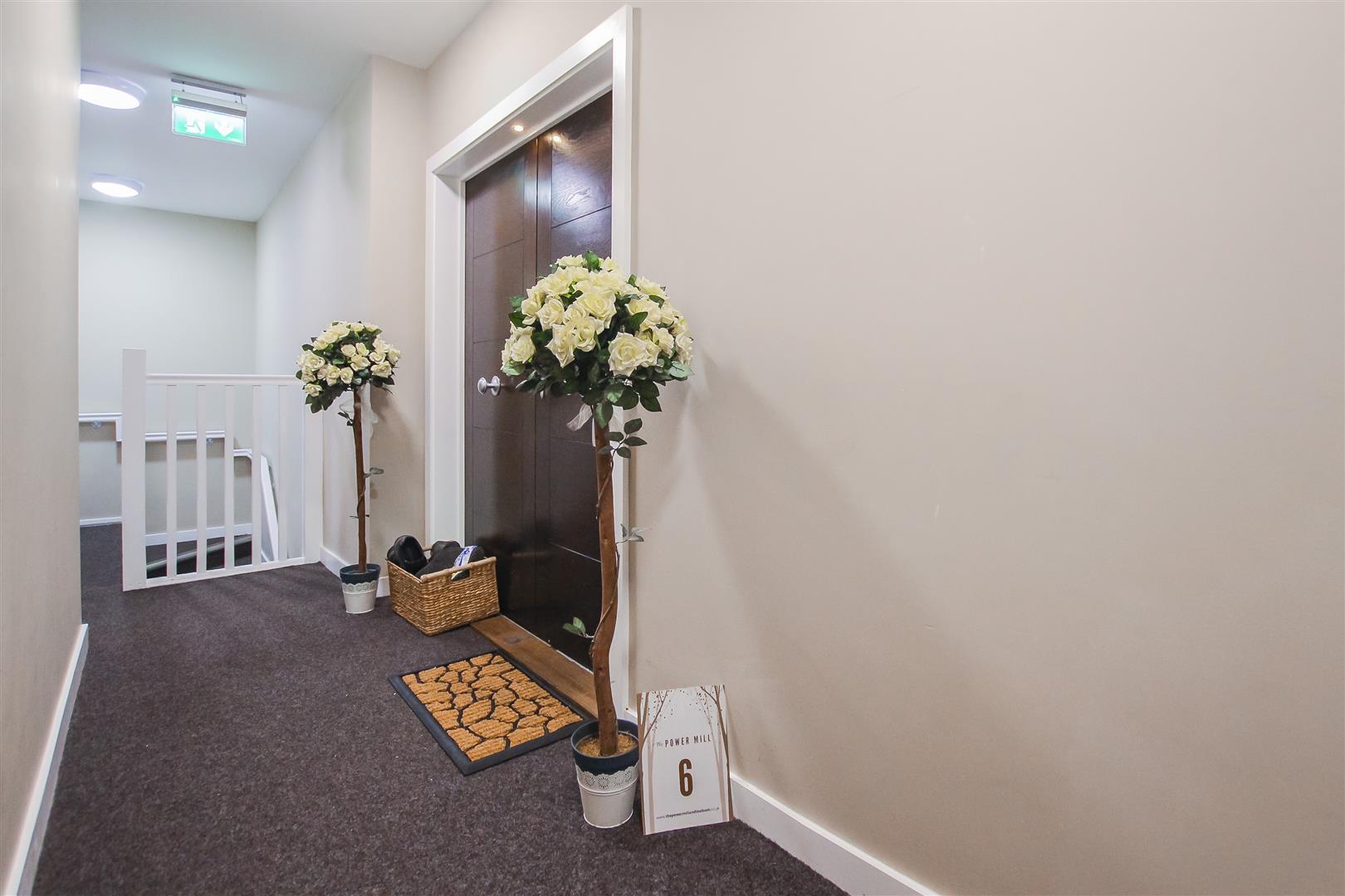 3 Bedroom Duplex Apartment For Sale - Image 20